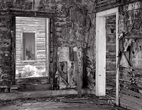 Thinnes House, ghost town, with contrast mask